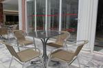 Устойчиви столове от метал